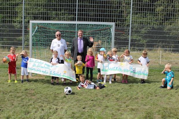 Photo of Kicken auf frischem Grün: Bolzplatz in Brauersdorf wurde grundsaniert
