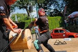 <b>Dirk Braun aus Winterberg fährt zur Deutschen Meisterschaft der Sportholzfäller</b>