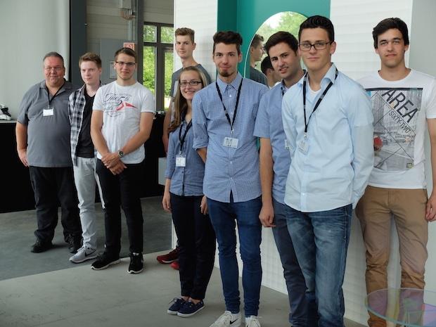 Photo of Acht neue Auszubildende bei Dornbracht