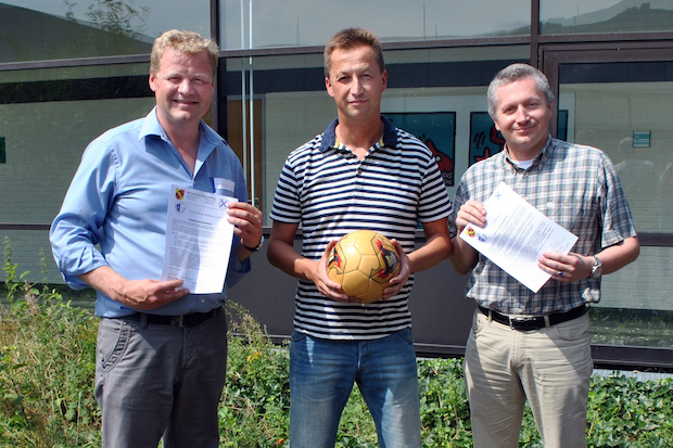 Photo of Sekundarschule und TuS Velmede-Bestwig unterzeichnen Kooperationsvereinbarung
