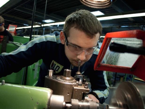 1972 betriebliche Lehrverträge schlossen die Unternehmen in Siegen-Wittgenstein und Olpe in den ersten sieben Monaten des Jahres mit jungen Menschen ab. Quelle: Industrie- und Handelskammer Siegen