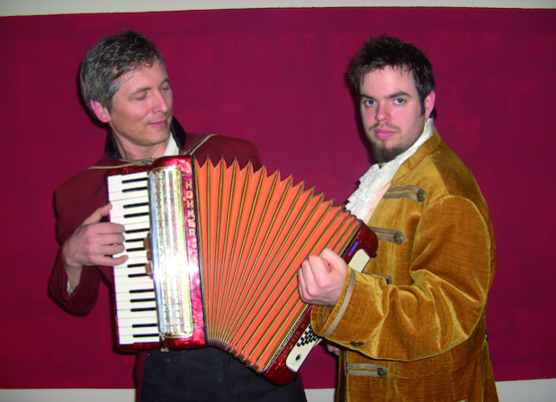 """Die Männer von """"Royal Squeeze Box"""" sorgen für virtuelle Musik (Foto: pmk)."""