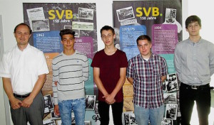 Vier junge Menschen starten ihre Ausbildung bei den SVB