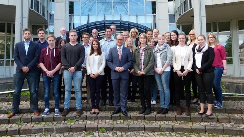 Photo of 20 neue Auszubildende beim Hochsauerlandkreis