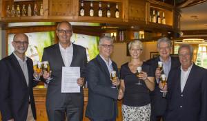 Krombacher Brauerei und TuS Ferndorf verlängern Sponsorenvertrag