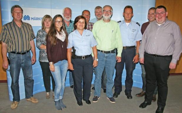 Die Mitglieder der Unfallkommission (Foto: Hendrik Klein/Märkischer Kreis).