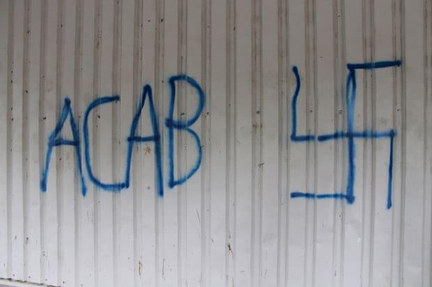 Photo of Erwitte: Gebäude mit Graffiti beschmiert
