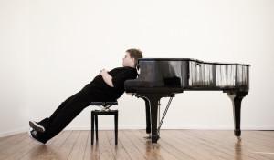Matthias Reuter präsentiert in Neunkirchen sein Soloprogramm