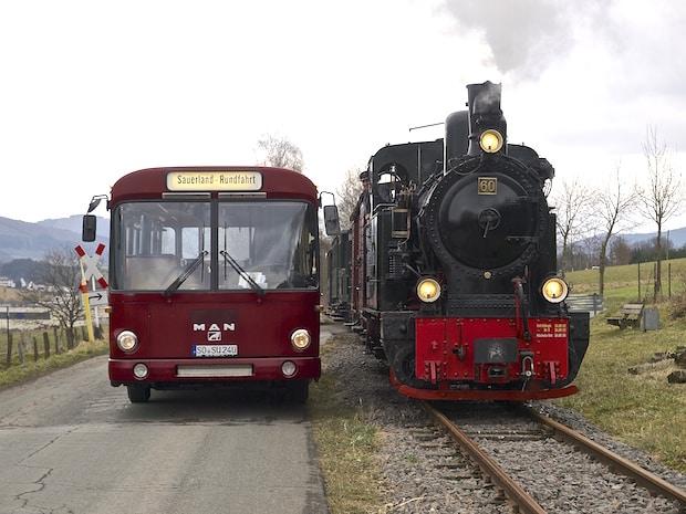 Photo of Traditionsbus fährt Sonntag zur Kleinbahn