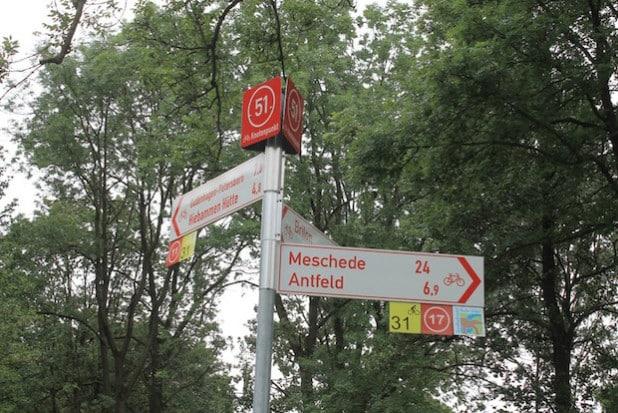 So sehen die Knotenpunkte des Radnetzes Südwestfalen aus (Foto: Radnetz HSK).
