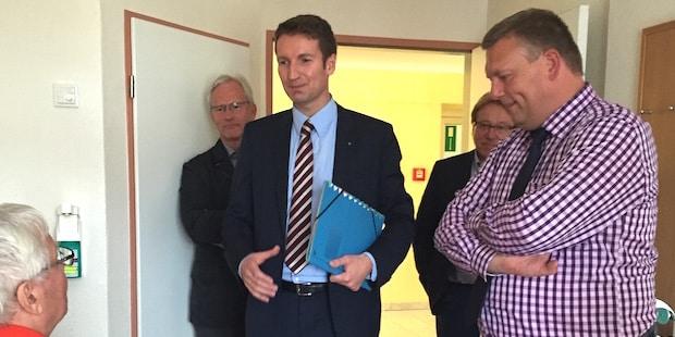 Photo of Patrick Sensburg zu Besuch im Winterberger Krankenhaus