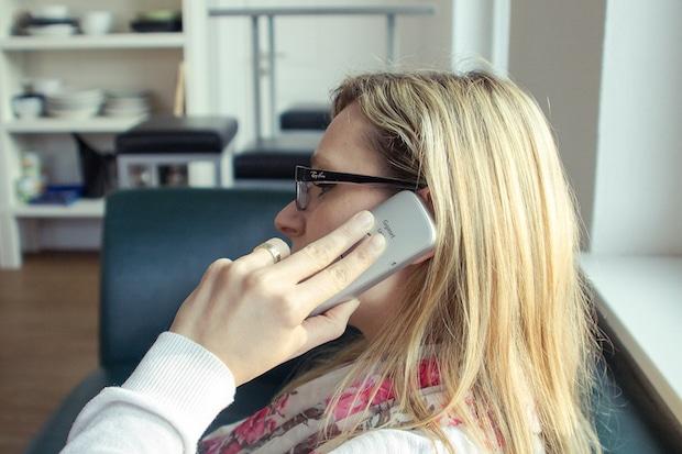 Photo of Angabe von persönlichen Daten am Telefon kann teuer werden