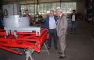 Auch die Forschung interessiert sich – Landrat zu Gast bei Hanses Sägewerkstechnik