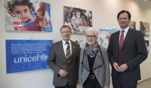 """""""Nothilfe für Kinder"""": Volker Milk eröffnet UNICEF-Ausstellung"""