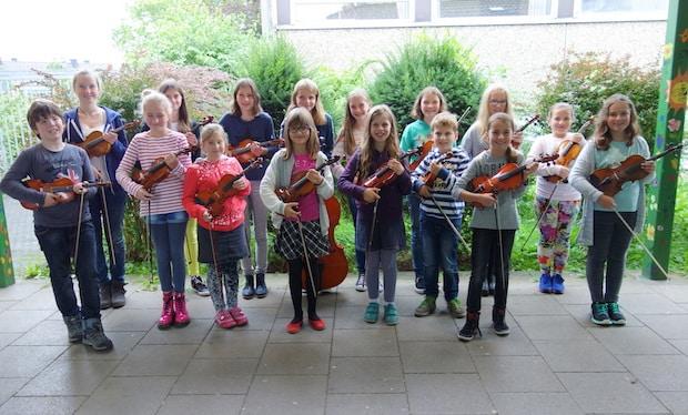 """Photo of Gelungene """"Saitenklänge"""": Mitreißendes Konzert der Nachwuchsmusiker der Musikschule Attendorn"""