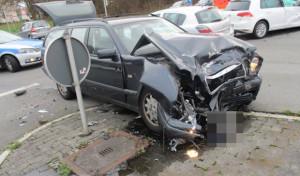 Soest: Schwerer Verkehrsunfall – Polizei sucht Unfallzeugen