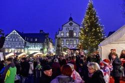 <b>Adventsflair und Party-Laune: Winterlicher Zauber in Brilons Stadtkern</b>