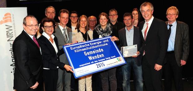 Photo of Klimaschutzminister Remmel vergibt European Energy Award an Gemeinde Wenden