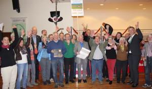Holzhausen jubelt: Goldplakette in Empfang genommen