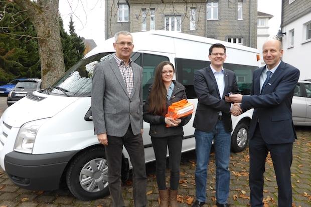 Photo of Firma KRAH stiftet der Stadt Drolshagen Kleinbus