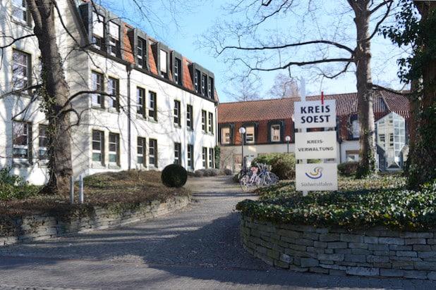 Die Kreisverwaltung Soest ist am Donnerstag, 5. November 2015, ab 10 Uhr aus Anlass der Allerheiligenkirmes geschlossen (Foto: Thomas Weinstock/Kreis Soest).