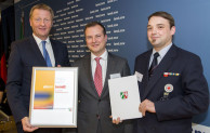 Mennekes erhält NRW Förderplakette