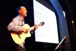 <b>Stefan Nussbaum präsentiert: Das MitSingDing - alle singen hit!</b>
