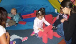 """""""Babycafé"""" im Familienzentrum sorgt für Spaß und Austausch"""