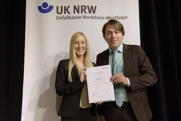 Photo of Unfallkasse NRW belohnt Sparkasse Finnentrop für guten Arbeits- und Gesundheitsschutz