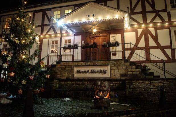 Stimmungsvoll wird es am 5. und 6. Dezember in der Burbacher Ortsmitte. Dann öffnet der 23. Burbacher Weihnachtsmarkt seine Pforten - Foto: Gemeinde Burbach