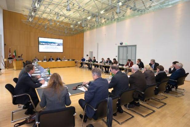 Regierungspräsidentin Diana Ewert lud die Abgeordneten des Regierungsbezirkes zu einem Hintergrundgespräch zu Flüchtlingsfragen ein (Foto: Bezirksregierung Arnsberg).