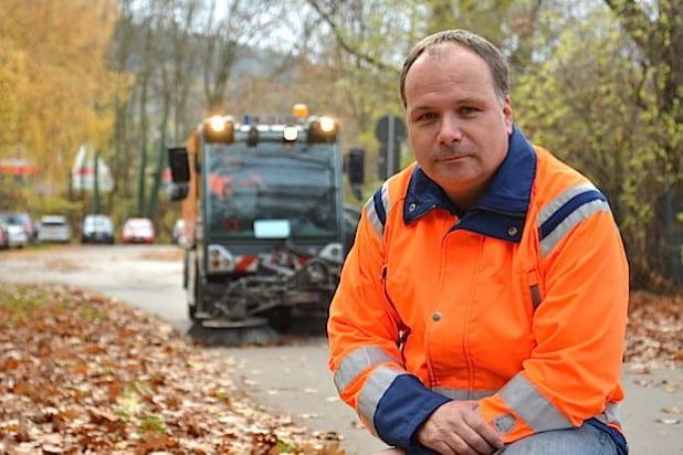 Jens Draack, beim SIH als Techniker für den Bereich Straßenreinigung zuständig (Foto: Märkischer Stadtbetrieb Iserlohn Hemer AöR).