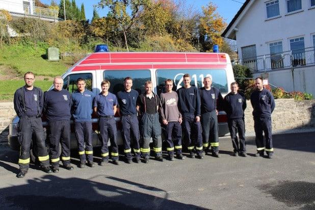 Ausbilder und Teilnehmer des Sprechfunkerlehrgangs - Foto: Feuerwehr Lennestadt