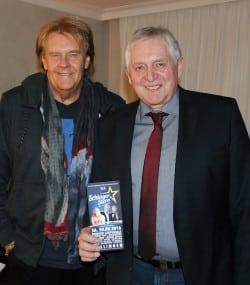 Schlager-Stern-Veranstalter Horst Schröder mit Howard Carpendale (Foto: Sven Schütz).