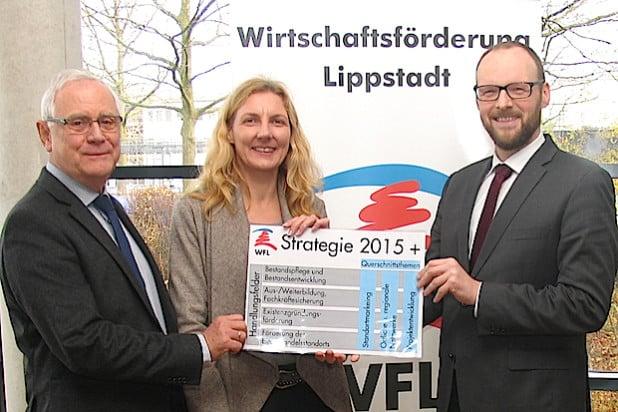 Friedrich Waldeyer, Vorsitzender des WFL-Aufsichtsrates; Karin Rodeheger, Erste Beigeordnete und Stadtkämmerin der Stadt Lippstadt und zweite Geschäftsführerin der WFL; Dr. Ingo Lübben, Geschäftsführer der WFL (v.l.n.r.) - Quelle: Stadt Lippstadt.