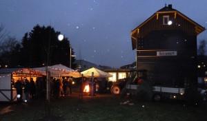 Glühweintasting und Weihnachtsswing am Alten Bahnhof