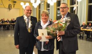 Ehrenamtliches Engagement mit der Ehrennadel der Stadt Hemer ausgezeichnet
