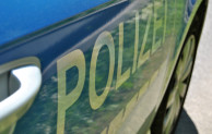 Siegen: Unfallflüchtiger hinterlässt 2500 Euro Sachschaden – Polizei bittet um Hinweise