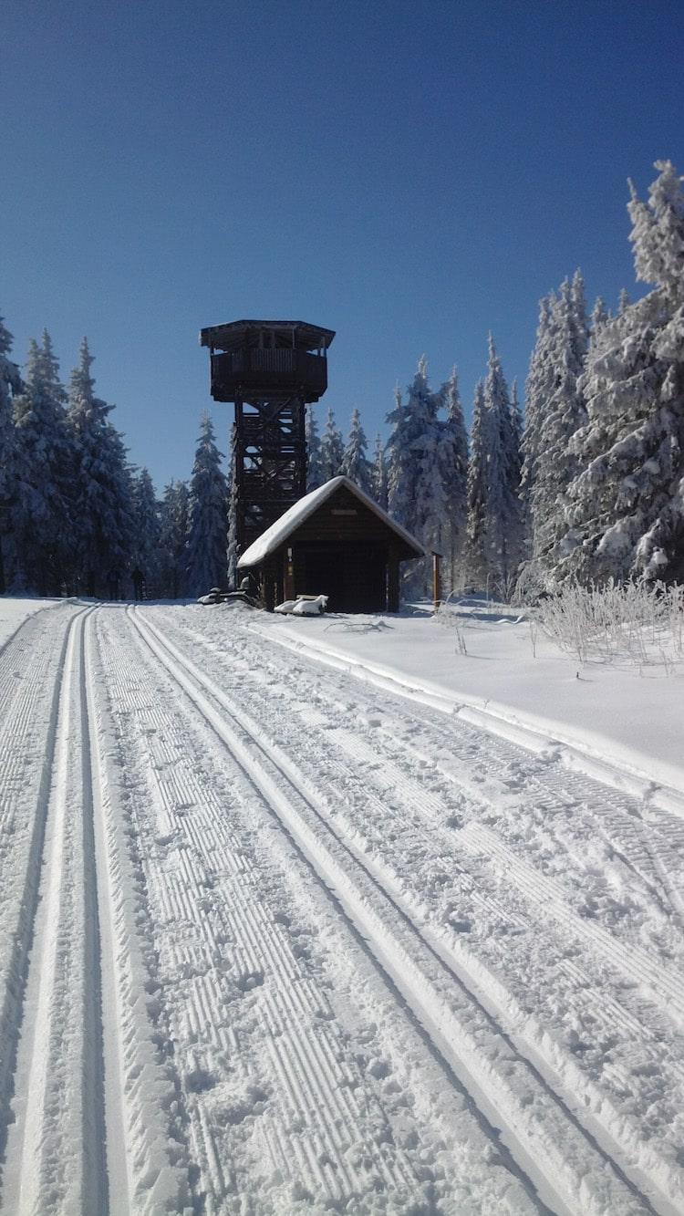 """Photo of Den Schnee """"lesen"""": Ein Heer von Helfern im Einsatz für wunderbare Loipen"""