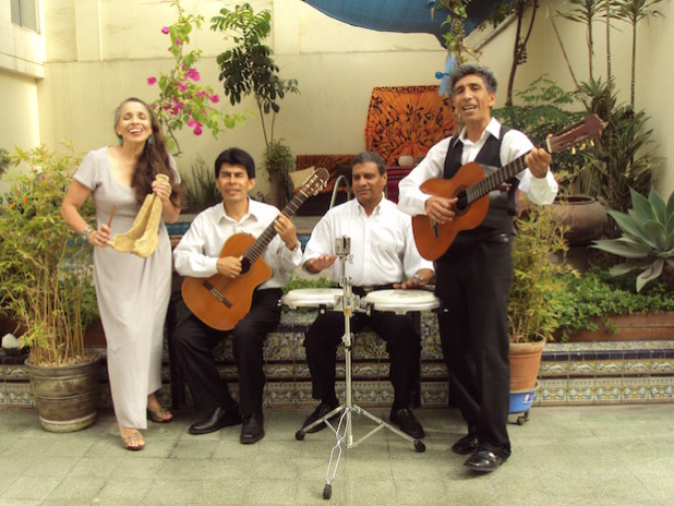 """""""Chacombo"""" aus Peru singen am Valentinstag in der Briloner Stadtkirche (Quelle: BWT ∙ Brilon Wirtschaft und Tourismus GmbH)."""