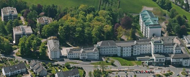 Photo of Stadt Meschede mietet Wohnheim I des Walburga-Krankenhauses für Flüchtlinge an