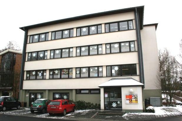 """Die ehemalige Wohnung im 3. OG des """"Rathaus II"""" wird zurzeit für die Unterbringung von Flüchtlingen vorbereitet (Foto: Archivbild - Gemeinde Wilnsdorf)."""