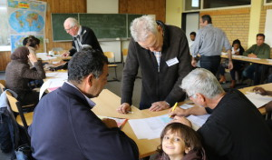 Neunkirchen: Ehrenamtliche Helfer unterrichten Flüchtlinge