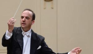 Ein Weltreisender in Sachen Musik am Dirigentenpult im Bürgerhaus Wickede