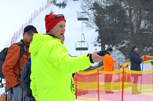 Photo of Winterberg: Streckenchef Brinkmann koordiniert die Ehrenamtlichen auf der Rennstrecke