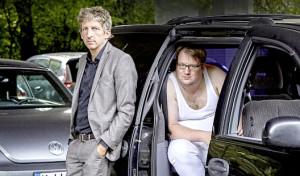 Drolshagen: Männer am Klavier auf rische's Kleinkunstbühne