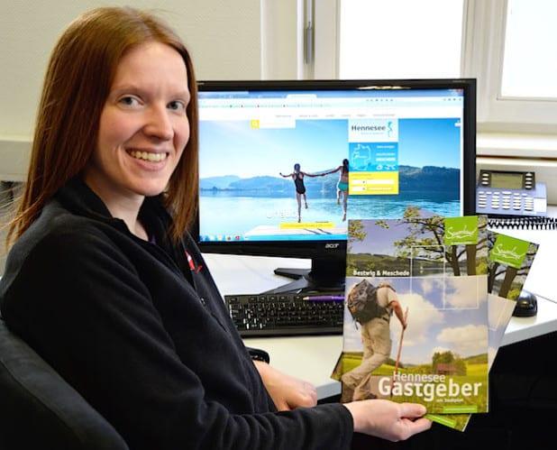Nicole Pinke, Mitarbeiterin der Tourist-Information, verantwortlich für die Pflege der neuen Internetseite (Foto: Tourist-Information Meschede)