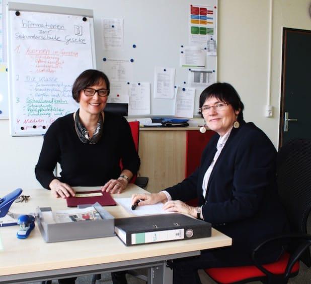 Bilden das Führungsteam der Geseker Sekundarschule: Sabine Welz (l.) und Susanne Bahry - Foto: Stadt Geseke.