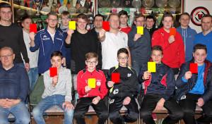 Neue Schiedsrichter für die Region – 13 Teilnehmer bestehen Prüfung