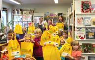 Wilnsdorfer Bibliothek verteilt Lesestart-Pakete